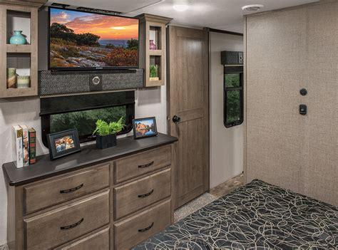 luxury kitchen cabinets venom v3911tk luxury fifth wheel hauler k z rv 3911