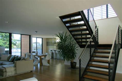 Moderne Und Kreative Innenraum Holztreppenwandregal Als Treppe by Einige Originelle Designs Stahltreppen