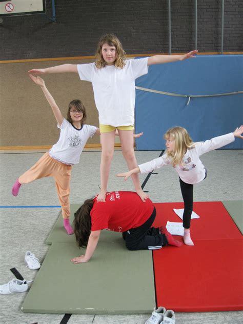 akrobatik im sportunterricht
