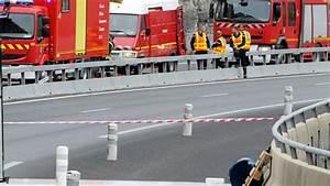 Accident Ile De France : accident sur l 39 a75 ce camion tait un danger public ~ Medecine-chirurgie-esthetiques.com Avis de Voitures