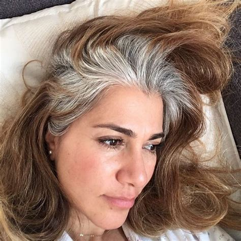 These 50 Women Refuse To Dye Their Hair And Look Amazing