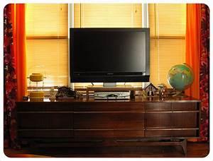 Holz Tv Möbel : tv m bel aus holz als funktionale einzelst cke ~ Markanthonyermac.com Haus und Dekorationen