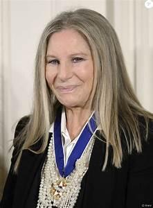Barbra Streisand à la Maison Blanche à Washington, le 24 ...