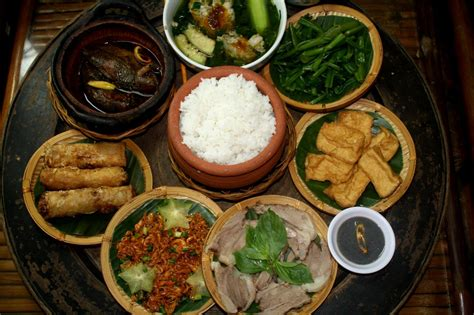 culture cuisine traditional family meals travel service