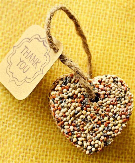 birdseed wedding favor hearts easy and inexpensive diy