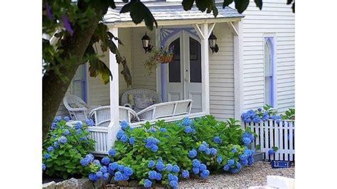 Cottage Garden Design by Small Cottage Garden Ideas