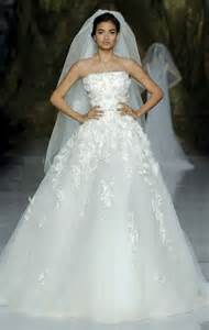elie saab brautkleider look beautiful new wedding dresses by elie saab onewed