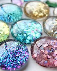 DIY Glitter Magnets Crafts