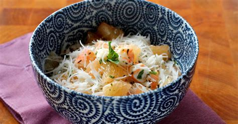 comment cuisiner les vermicelles de riz comment faire une salade légère au plemousse crevettes