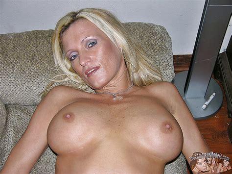 Blonde Amateur Models Nude