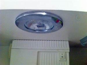 Ampoule Salle De Bain : forum lectricit probl me pour changer une ampoule dans ~ Melissatoandfro.com Idées de Décoration