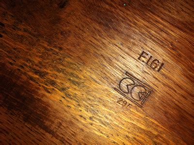 antique table l markings hi can you please identify a a double pacman makers mark