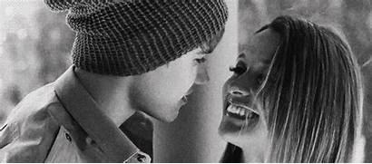 Bieber Justin Gifs Hug Kiss Couple Couples