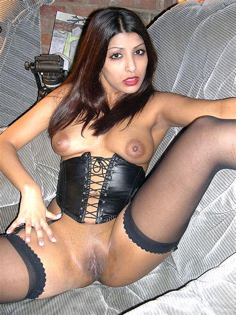 Pantyhose Xxx Indian British Slut Loves A Xxx Dessert