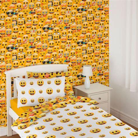 Debona Emoji Wallpaper   Kids Wallpaper, Decorating   B&M