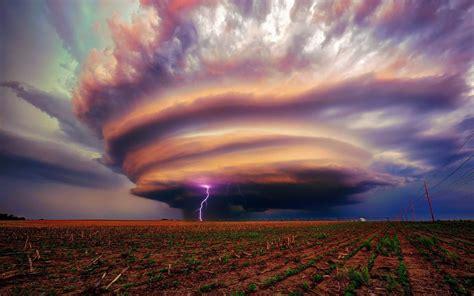 Tornado lightning wallpaper