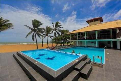 Catamaran Beach Hotel Negombo by Catamaran Beach Hotel Negombo Compare Deals