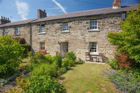 cottage breaks uk throstle cottage midweek breaks