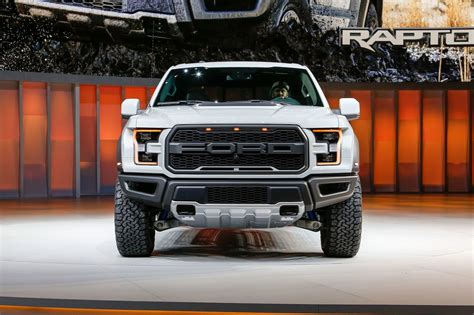 ford   raptor supercrew   review