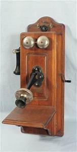 Telephone Mural Vintage : antique oak wall phone best 2000 antique decor ideas ~ Teatrodelosmanantiales.com Idées de Décoration