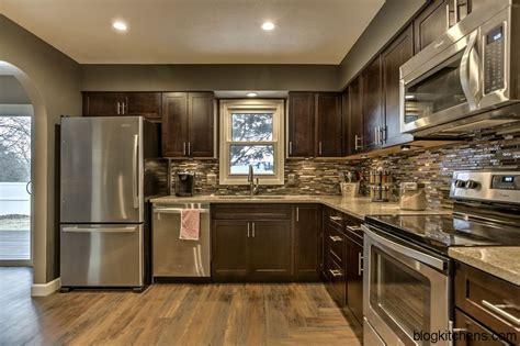 Craftsman Kitchen Design Ideas And Photo Gallery  Kitchen