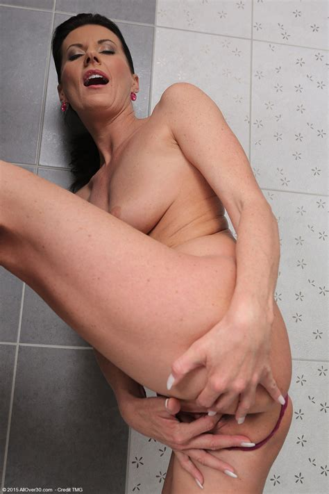 Olivia Naked In Shower At Allover Free