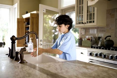 Free picture: young boy, shown, process, washing, hands