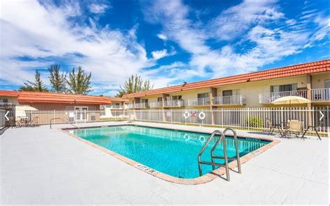 lake apartments rentals miami gardens fl