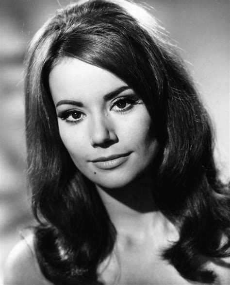 domino claudine auger club james bond france