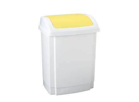 poubelle cuisine jaune poubelle cuisine couleur jaune idées de design maison et idées de meubles