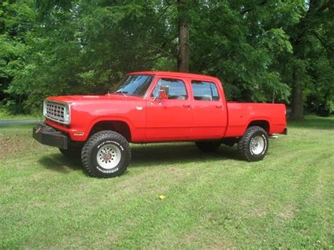 Buy used 1974 Dodge W 200 4WD Powerwagon Crew Cab. PTO