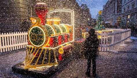 festive christmas activities  london  month