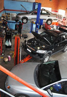 mechanic unanderra pink slips car repairs  automotive