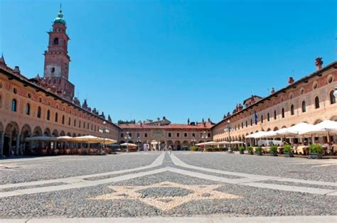Farmacie Di Turno Provincia Pavia by Vigevano Pavia Informazioni Utili Su Vigevano