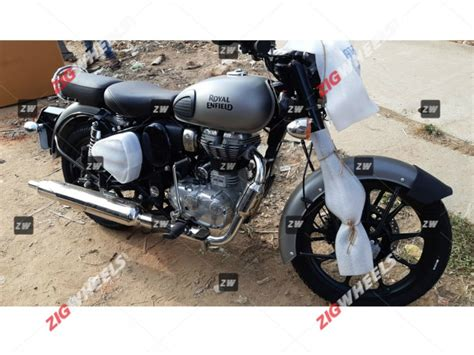 See the list of new royal enfield bikes between 250cc to 500cc for sale in india 2021. BS6 Royal Enfield Classic 350 Arrives At Dealerships, Official Launch Soon - ZigWheels