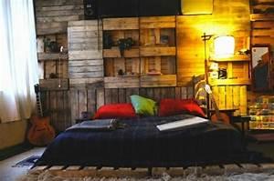 Bett Und Schrank : bett aus paletten selber bauen praktische diy ideen ~ Michelbontemps.com Haus und Dekorationen