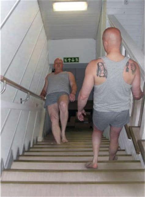 escalier qui descend blague du jour