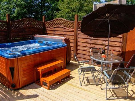 Log Cabin Tub by Log Cabin With Tub In Wales Asaph Fallows Lodge