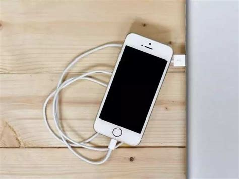 iphone users who paid the original price for battery replacement can now get rs 3 900 credit
