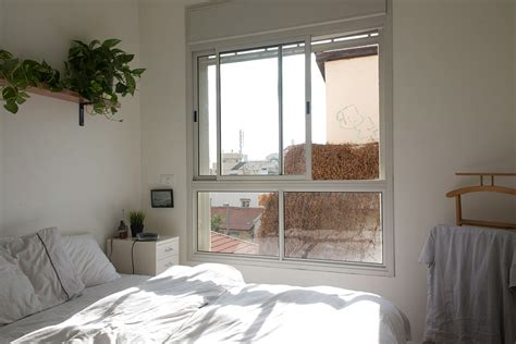 ingenious apartment  tel aviv adopts  trendy vintage style