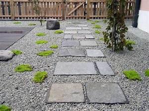 amenagement allee de jardin et chemin de pierre en 95 idees With pierre pour allee de jardin