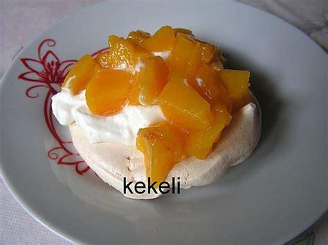 dessert pches au sirop recette de pavlovas aux p 234 ches au sirop