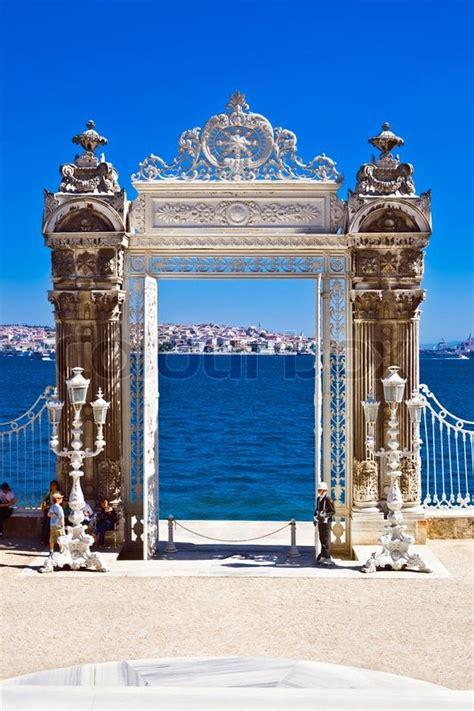 Garten In Der Türkei by Tor In Den Garten Des Dolmabah 231 E Palast Istanbul T 252 Rkei