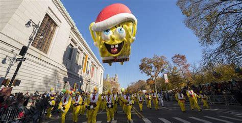 macys thanksgiving day parade kicks  holiday season
