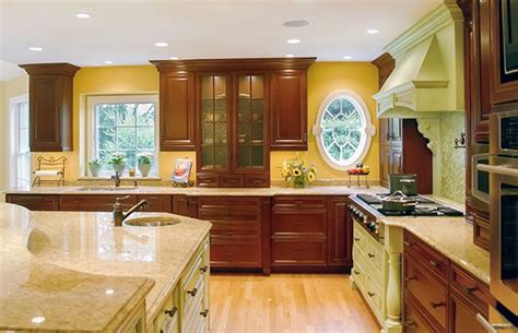 painting the kitchen cabinets 27 best images about two toned kitchens on 4065