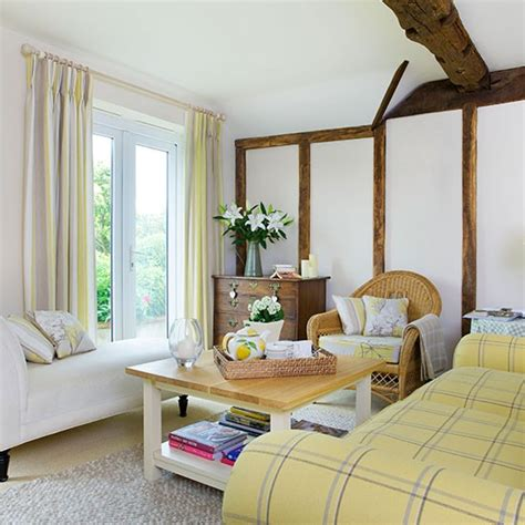 sala pequena mas super confortavel  aconchegante