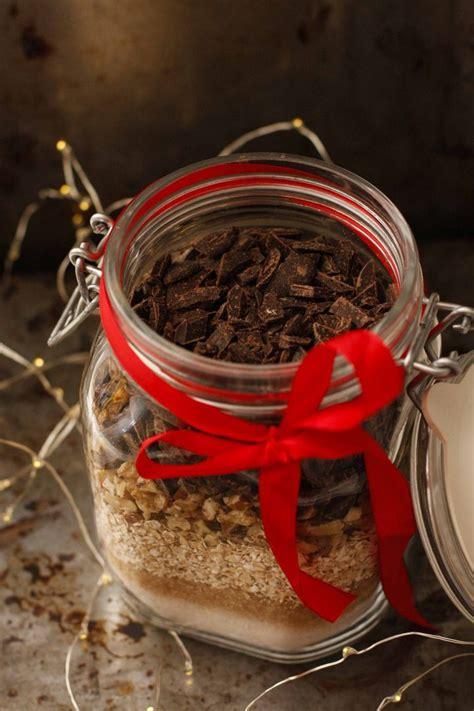 Dāvana burciņā. Auzu pārslu cepumi ar šokolādi - Liene Gatavo