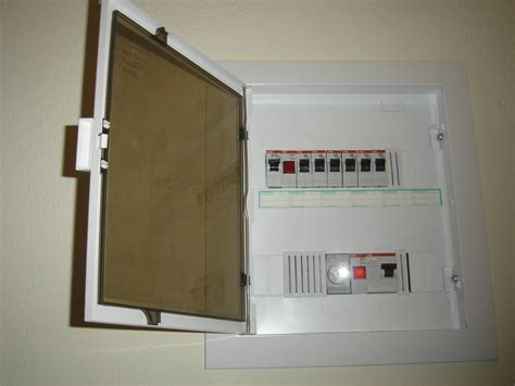 file installing electrical wiring jpg wikimedia commons file installation box electrical jpg wikimedia commons