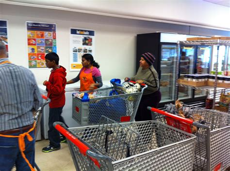 food pantry columbus ohio outreach at lutheran social services columbus