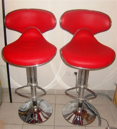 ou trouver des chaises de cuisine réparer un tabouret en simili cuir